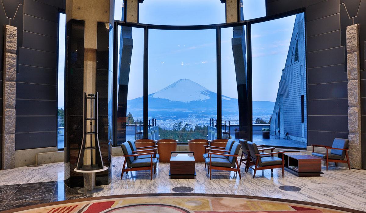 四季折々の顔を持つ雄大な富士山麓の眺望